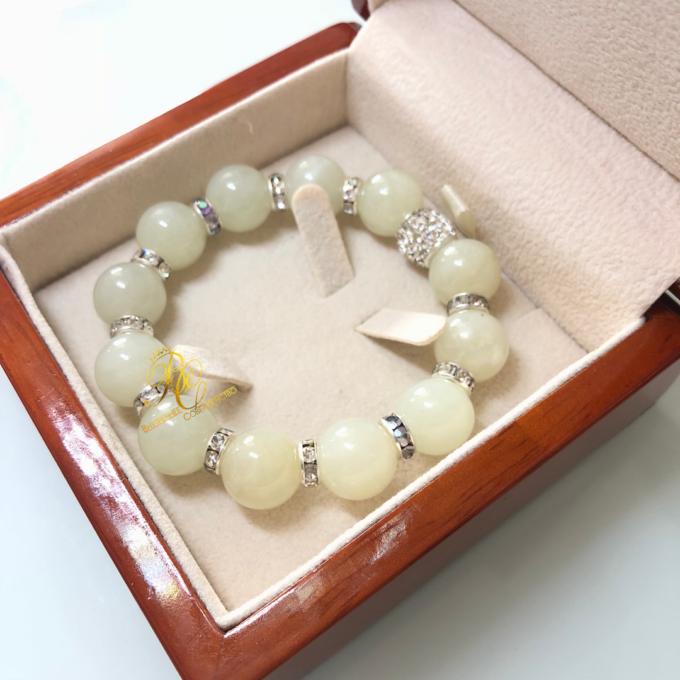 white_jade_bracelet9