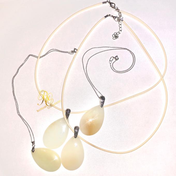 white_jade_pendant2
